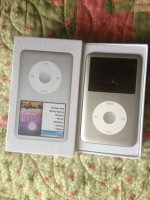 Apple iPod classic 7th Generation Silver (160 GB) MP3 Player