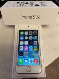 Apple iPhone 5S 32GB Unlocked Smartphone